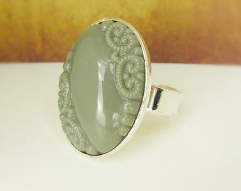 romantic ring gray silver oval vintage
