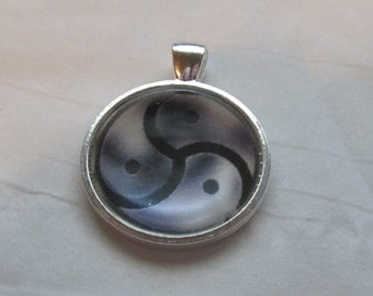 BDSM Triskele Photo Pendant!! Designs for LGBT/Transgender/Classic or others. Fetish jewelry for Submissive / Dominant / Switch or Kinkster