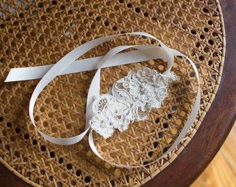 Vintage lace headband / headpiece / one size