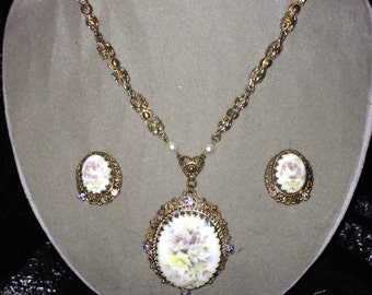 Hand painted porcelain pendent necklace and earrings set in a floral pattern from Germany