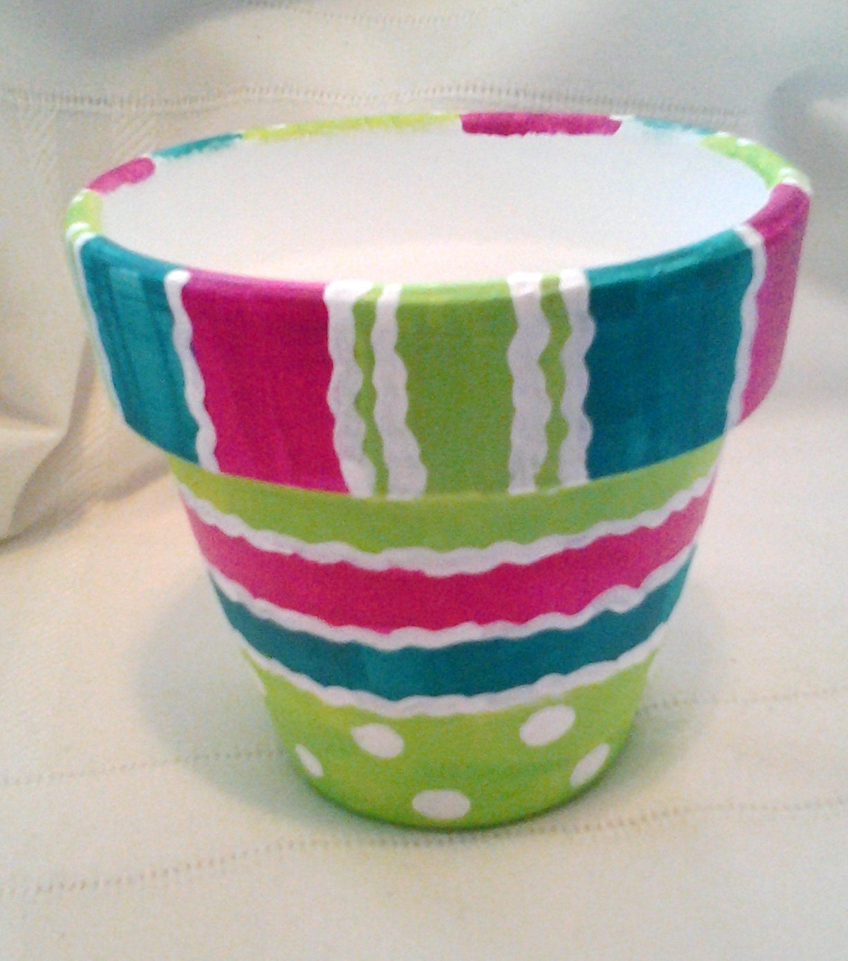 hand painted clay pot creative design pink green teal. Black Bedroom Furniture Sets. Home Design Ideas