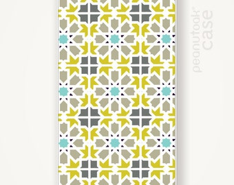 Tile pattern iPhone case White plastic case for iPhone 5 or 4 with pattern inspired in portuguese tiles case for iPhone 5 white plastic case