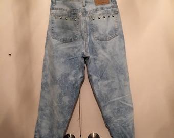 Splatter bleach/ acid wash jeans