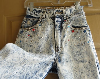 Distressed high waisted size extra small XS denim high contrast acid washed studded jeans pants  80s 90s 1980s 1990s