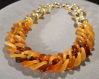 Vintage Art Deco Style Yellow Gold Tone Shades of Amber Lucite Link Toggle Closure Necklace Jewelry   K