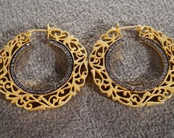 Vintage Art Deco Style Yellow Gold Tone Rhinestone Filigree Round Hoop Design Pierced Earrings Jewelry        K