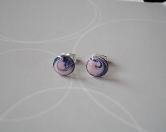 Enamel on copper, Earrings in pink and black, and silvered supplies.