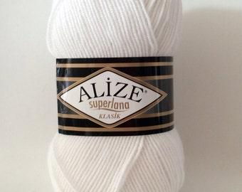 Alize superlana klasik wool blend double knitting DK yarn in white 100g