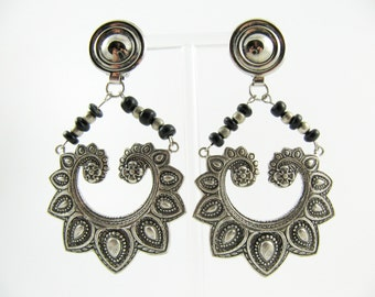 "Vintage 80's Ethnic Style Silver-Tone Metal & Beads Clip-on Earrings - 3"" Long"