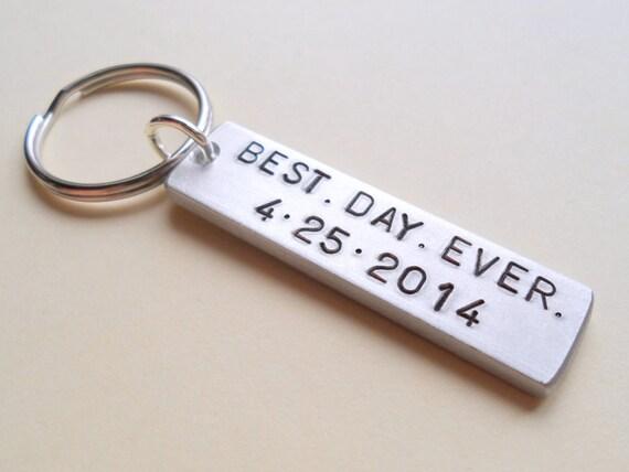 Keychain For Wedding Gift : Wedding Anniversary Keychain, Couples Keychain Gift, Customized ...