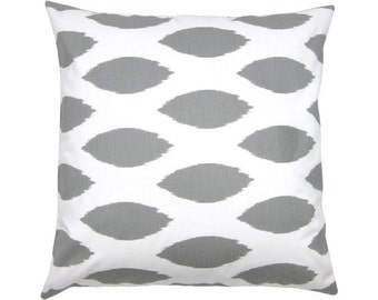 Cushion cover 50 x 50 cm grey white Ikatmuster CHIPPER
