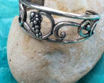 Little girls sterling silver bracelet