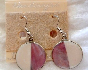 Gorgeous pair of, dangle style earrings, hand-made by Tesoros.
