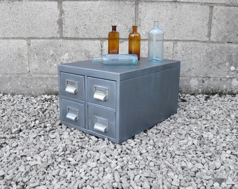 1950s Industrial metal filing cabinet; great desk top office piece. Original and heavy solid item, quality piece.