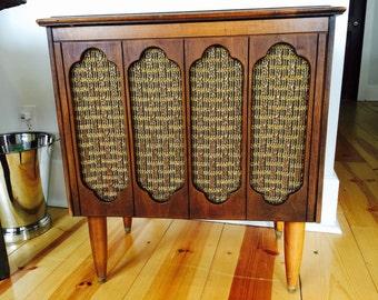 Pair of Mid Century Stereo Speaker Tables