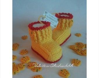 Crochet booties for new baby. Beautiful baby booties.