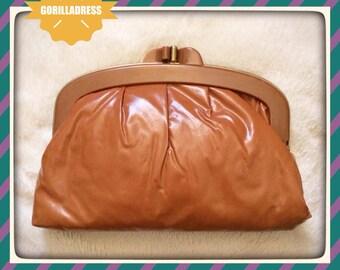 VINTAGE 1970's/70's: Brown Gold Shiny Plastic Vinyl Kiss Lock Snap HingedConvertible CLUTCH to CROSSBODY Bag Purse Handbag-Unused Condition!
