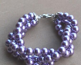 lilac pearl bracelets,triple pearl bracelet,wedding bracelet,bridesmaid bracelet, lilac glass pearl bracelet. lilac bead bracelet