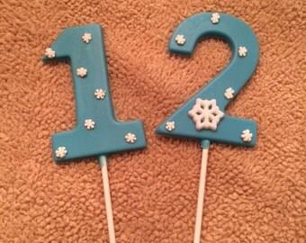 24 Number 8 Frozen Themed Lollipops