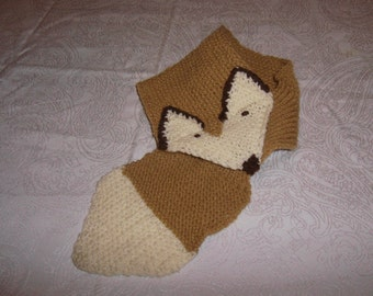 knitted funny fox scarf