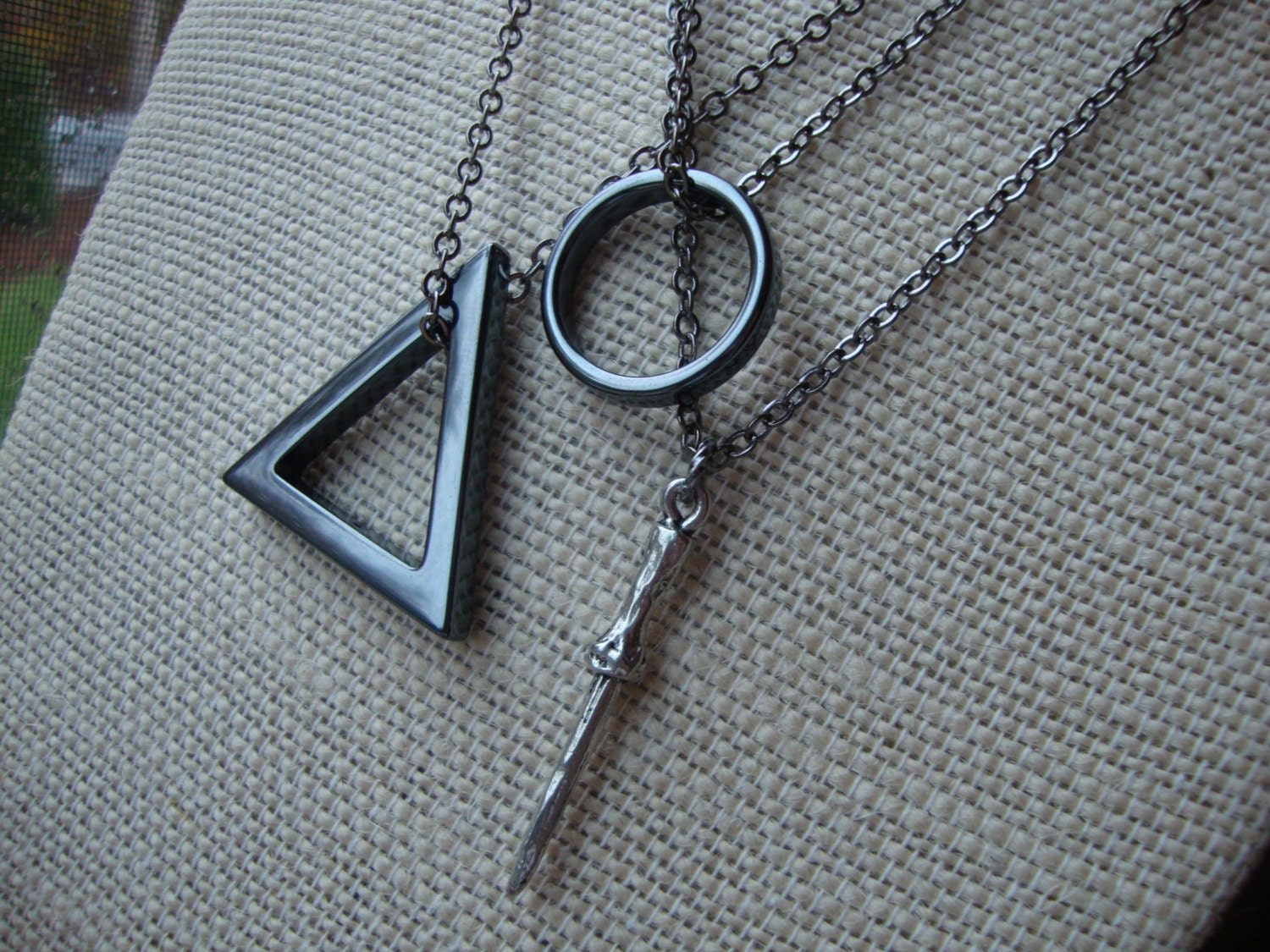 The deathly hallows friendship necklace set harry potter for The deathly hallows wand
