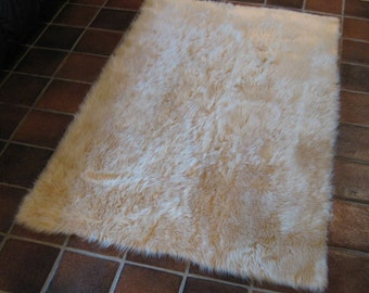 PREMIUM 5' x 7' Beige Faux fur rug non-slip washable Great for all rooms hypoallergenic Soft and Plush