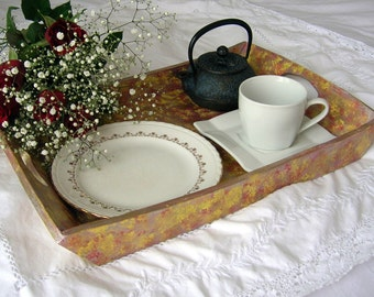 Tray of wooden service painted