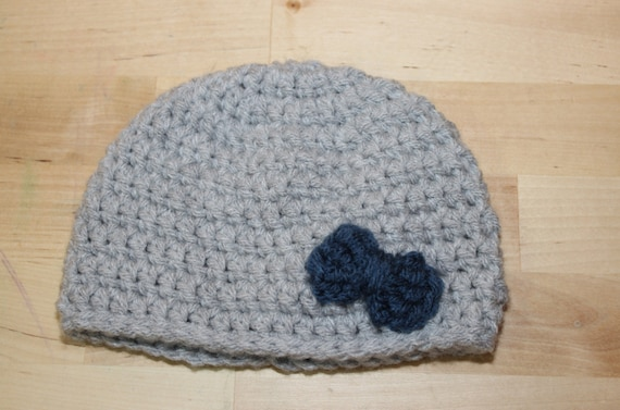 Gray Infant Hat with Bow Applique