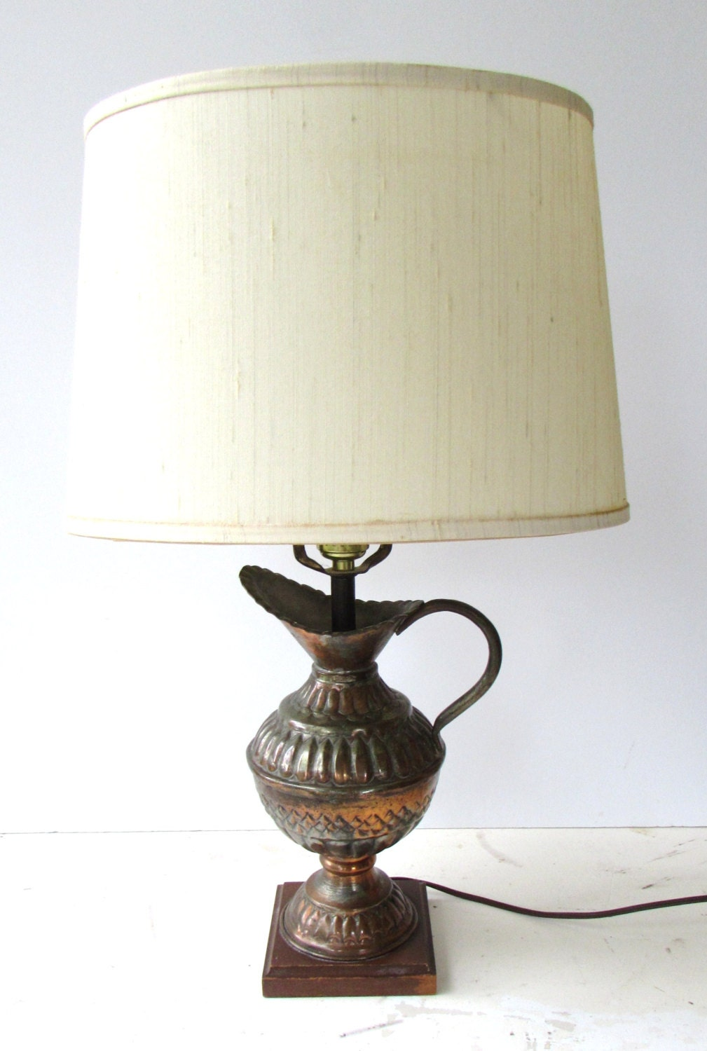 vintage mid century modern table lamp by mcbeanhomevintage. Black Bedroom Furniture Sets. Home Design Ideas