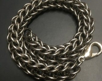 A rope of persian chain