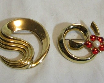 Brooches, Set of Two, Brass, Gold tone, 1970's