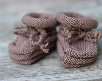 Handmade Merino Wool Baby Booties with Stay-On Laces – Chocolate Brown (0-6 months)