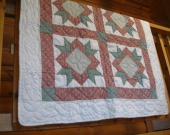 Variable Star Quilted Wallhanging/Lap Quilt