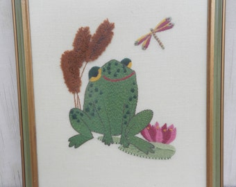 Adorable Embroidered Frog Picture!