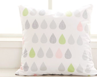 Scandinavian Style Big Raindrops Pattern Cotton Fabric (Light Green) AE20