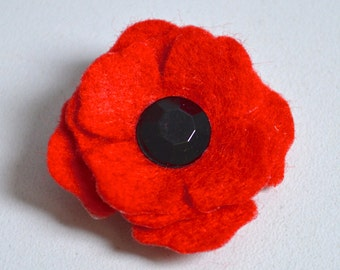 Small Red Poppy Lapel Pin Brooch with Faceted Glass Centre -Remembrance Armistice Day Poppy Appeal Charity Donation - Felt Flower Gift Boxed