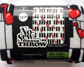 48'' No Sew Throw- Heart Notes Piano