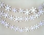 Snowflake Garland-White Snowflakes-Winter Wonderland-Winter Shower-Snowflake decorations-Winter Wedding Decor-Winter Decor-Snowflake Strands