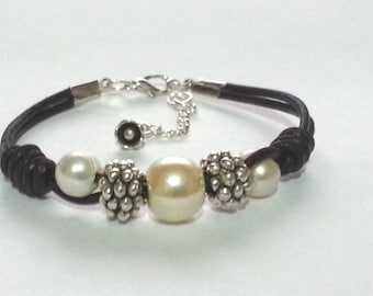 FREE SHIPPING bracelet with pearls and zamak