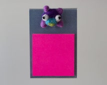 Fun sticky note desk set, cute desk accessory, unique office gift, adorable teacher gift, quirky cubicle decor, felted wool purple bear