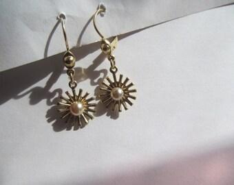 Gold  Tone  - leaver back  /  pierced  dangling  Earrings   Vintage