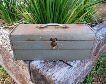 Vintage metal storage box / Tool Box / Metal Tool Box / Industrial
