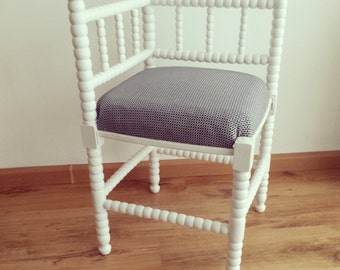 Old Dutch corner Chair in soft white appearance with nice graphic fabric.