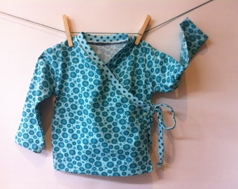 Kimono-like wrap shirt of slightly elastic cotton, mt 86