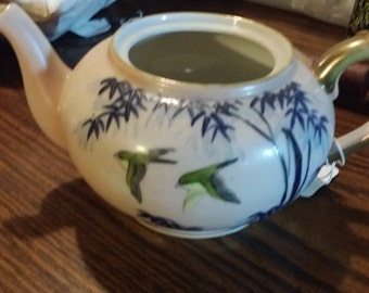 China Nippon e-oh teapot