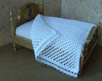 Dollhouse blanket/bed cover. White cotton and lace. Hand knitted. 1/12 scale. Dollhouse bedding.