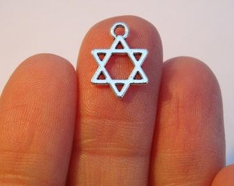 16 Antique Silver 'Star of David' Charms - 14 x 10mm - Ref SC400