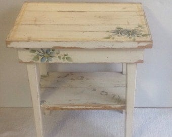 SALE / Chabby chic table / vintage handmade