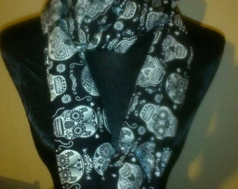 Folk skull infinity scarf glows in the dark