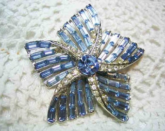 Vintage Awesome Rhodium Plated Beget Rhinestone Brooch 50s